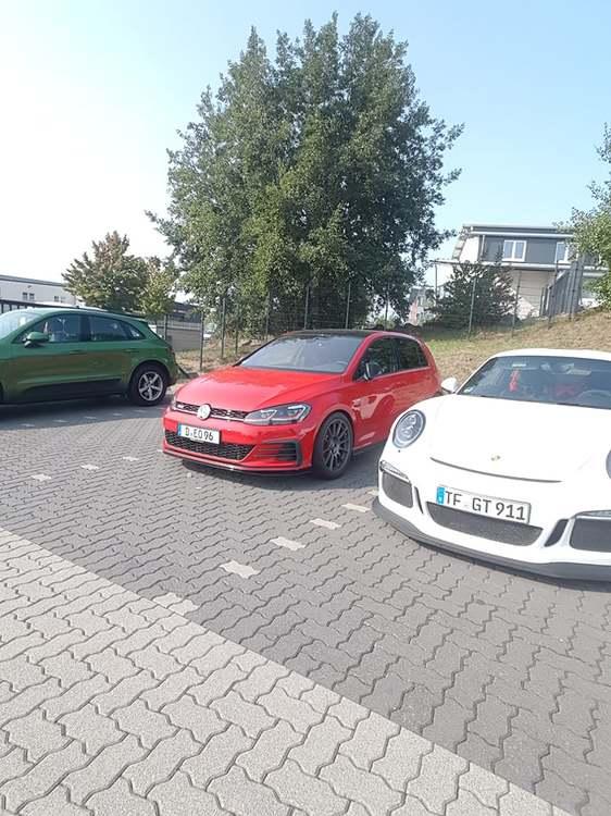 2020-09-12 Parkplatz Raeder 001.jpg